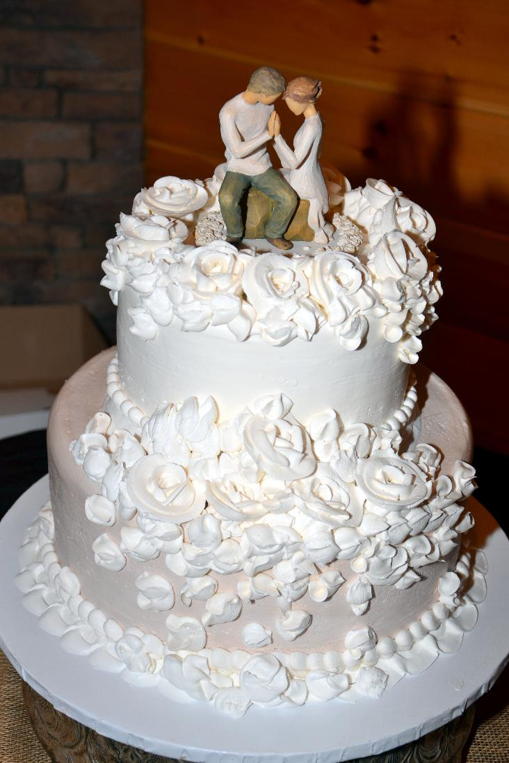 Gatlinburg Traditional Wedding Cakes